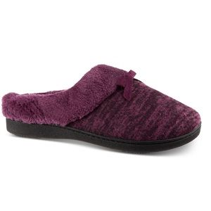 Isotoner boxed Tammy sweater knit slipper purple